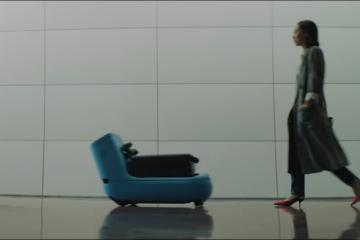 KLM-met-a-disposition-des-voyageurs-d-affaires-un-robot-pour-porter-leurs-bagages