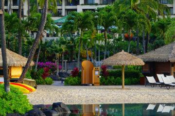 snappyscreen-cabine-de-protection-solaire-sinstalle-bord-piscines