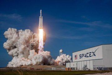 voyage-autour-de-lune-spacex-seduit-premier-client-prive
