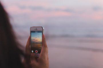 L-application-d-easyJet-permet-aux-internautes-de-reserver-un-sejour-depuis-Instagram
