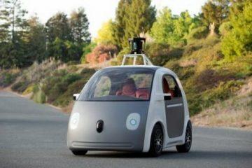 Google lance sa voiture 100% autonome