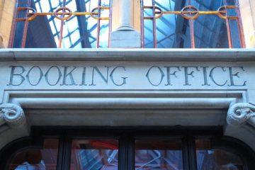 Montebourg se trompe t-il de cible en assignant Booking en justice?