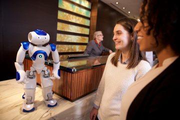 Hilton, IBM et Aldebaran dévoilent leur robot concierge