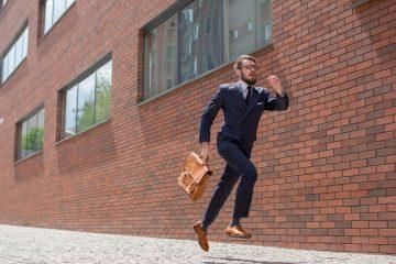 Hurrybirds, l'application sociale des voyageurs d'affaires