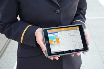 Lufthansa poursuit sa transformation numérique en dotant ses agents de bord d'iPads